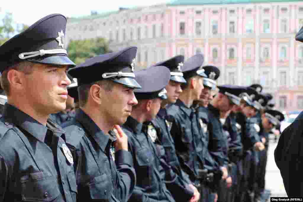 Втім, більшість поліцейських не приховують свого хвилювання
