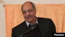 Новоизбранный председатель Союза писателей Армени Эдвард Милитонян, Ереван, 20 октября 2013 г.