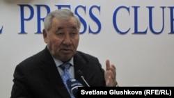 Парламент сенатының бұрынғы төрағасы Оралбай Әбдікәрімов.