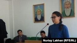 Этническая казашка Кайша Акан, заявившая о бегстве из Китая, на процессе по делу «о незаконном пересечении границы». Жаркент, 12 ноября 2019 года.