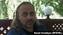 """Украиналық """"Без брехні"""" сайтының редакторы, фактчекинг туралы оқу құралының авторы, журналист Александр Гороховский. Орал, 15 қыркүйек 2018 жыл."""