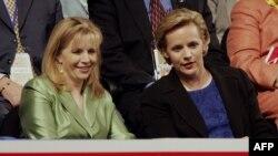 Сестры Чейни: Элизабет (слева) и Мэри (справа)