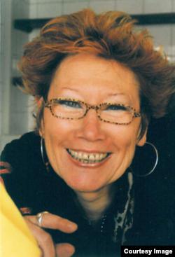 Yvette Carbou