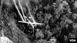 Američki avion nadlijeće južnu teritoriju Vijetnama
