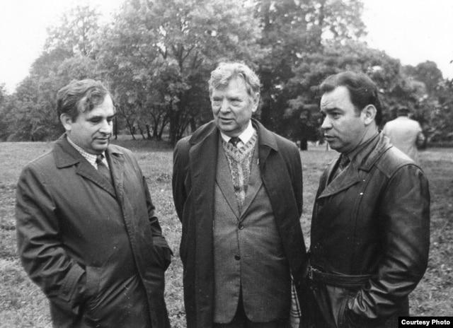 Леанід Гаўрылкін, Максім Танк і Барыс Сачанка. Верасень 1984 г.