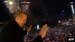 R.T.Erdoğan Ankarada tərəfdarları qarşısında, 30 mart 2014