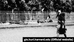 Жертви голоду 1933 року на вулицях Харкова (фото: www.gis.huri.harvard.edu)