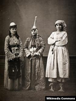 Dəməşqli qadınlar, 1873