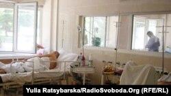 Поранені українські військові у лікарні в Дніпропетровська, 8 липня 2014