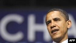 باراک اوباما به عنوان نخستین نامزد سیاه پوست حزب دمکرات در رقابت های حزب دمکرات شرکت خواهد کرد. (عکس از AFP)