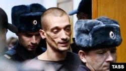 Петро Павленський у Таганському суді Москви, 10 листопада 2015 року