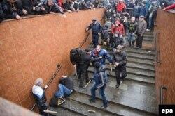 Зіткнення проросійських і проукраїнських активістів у Харкові, 13 квітня 2014 року