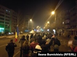 Demonstranți în drum spre Prefectură la Alba Iulia