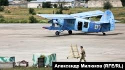 Ан-2 (кодова назва НАТО – Colt) вважається «динозавром», однак для деяких завдань біплан, як і раніше, придатний