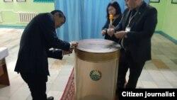 Виборча дільниця в Узбекистані