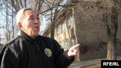 Леонард Цой, совет билігі кезінде Қазақстанға жер аударылғандардың ұрпағы. Алматы, 12 желтоқсан 2008 ж.