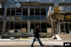 Разрушенное здание в Киевском районе Донецка