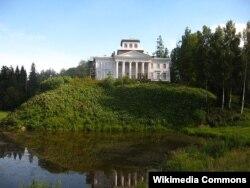 1916-cı ildə Nabokova əmisindən miras qalan, amma 1 il sonra - inqilab zamanı əlindən alınan mülk...