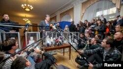 Пётр Порошенко на участке в Киеве