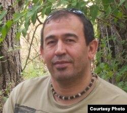 Абдусалом Одиназода. Фото в ФБ от 2012 года