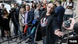 Антон Носик после оглашения приговора у Пресненского суда