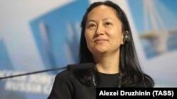 Мэн Ванчжоу, Huawei компаниясының атқарушы директоры.