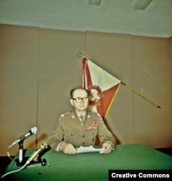 Войцех Ярузельский объявляет о введении военного положения, 13 декабря 1981