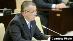 Берик Имашев в бытность депутатом сената парламента Казахстана.