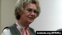 Выступае Зінаіда Бандарэнка