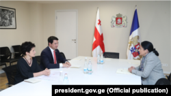 Президент ознакомила Арчила Талаквадзе и Тею Цулукиани с проектом указа «О правилах помилования»