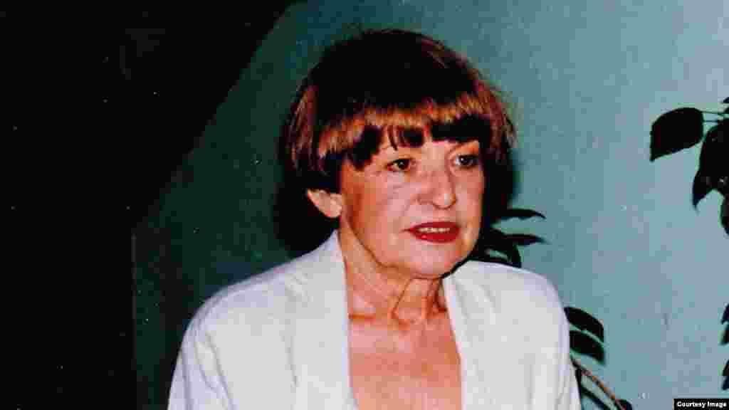 Milica Lučić-Čavić (1938.-2013.) bila je od 1994. godine dopisnica RSE, a od maja 2000. do januara 2002. godine bila je i šef beogradskog dopisništva RSE.