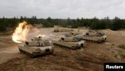 Військові вчення НАТО в Адажи, Латвія, червень 2016 року