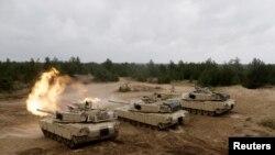 Американские танки на учениях Saber Strike. Архивное фото