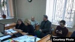 Суд в Олонце. Нина Щербакова (слева) и ее защитник