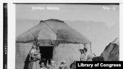 10. ეს ფოტო 1919 წელს ავღანეთშია გადაღებული. რა ამბავი იმალება ამ სურათის მიღმა, იდუმალებითაა მოცული.