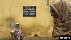 В деревне Абдуллиан на индо-пакистанской границе к юго-востоку от Джамму. Кашмир, январь 2013 года. Иллюстративное фото.
