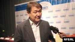 Директор «Казахфильма» Ермек Аманшаев отвечает на вопросы журналистов. Алматы, 19 февраля 2009 года.