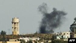 تصویری از بخش اسرائیلی بلندیهای جولان که دود و آتش در جولان سوریه را نشان میدهد.