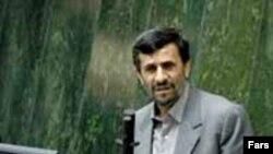 محمود احمدینژاد در مجلس شورای اسلامی