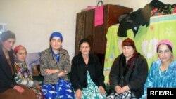Гуруҳе аз занони тоҷик (акс аз бойгонӣ)