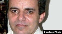 محمدصدیق کبودوند، فعال سیاسی و روزنامهنگار ایرانی.