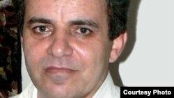 آقای کبودوند به دنبال حدود یک ماه اعتصاب غذا، به دلیل وضعیت جسمانی خطرناکش در بیمارستان بستری شده است.