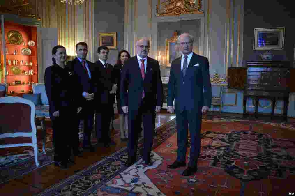 ШВЕДСКА - Претседателот на Собранието Талат Џафери и присуствуваше на аудиенција кај кралот на Шведска, Карл XVI Густаф, за време на неговата официјална посета на Кралството Шведска. На средбата, освен за актуелните состојби на политички и општествен план од билатерален и мултилатерален карактер, Кралот на Шведска, се осврнал на неговата посета на Македонија пред 20 години, кога бил во посета на шведските војници во составот на Нордискиот баталјон на UNPREDEP.