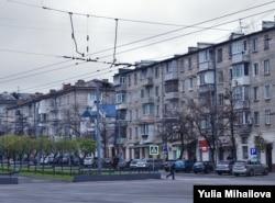 """""""Hrușciovka"""" de pe bulevardul Grigore Vieru, Chișinău, noiembrie, 2020"""