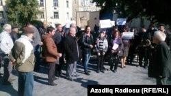Акция протеста перед Администрацией президента