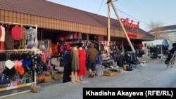 Зайсан қаласындағы базар, Шығыс Қазақстан облысы. 7 қаңтар 2020 жыл.