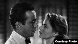 "Хамфри Богарт и Ингрид Бергман в фильме Майкла Кёртиса ""Касабланка"""