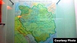 """Гэтую мапу радзімы Мацюшына сфатаграфавала ў Полацкім краязнаўчым музэі летась. """"Мапа ўражвае"""", - кажа яна"""