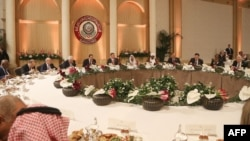 A general view of the Arab League participants during lunch in the Jordanian Dead Sea resort of Sweimeh, March 29, 2017