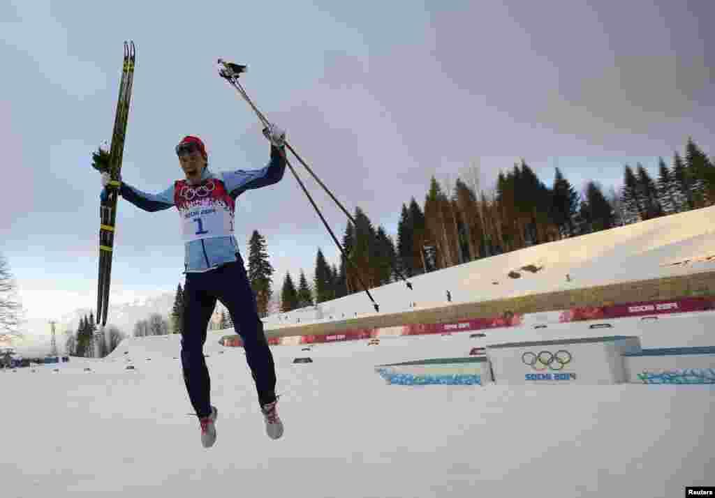Норвежець Ола Віґен Хаттестад святкує перемогу в чоловічому спринті